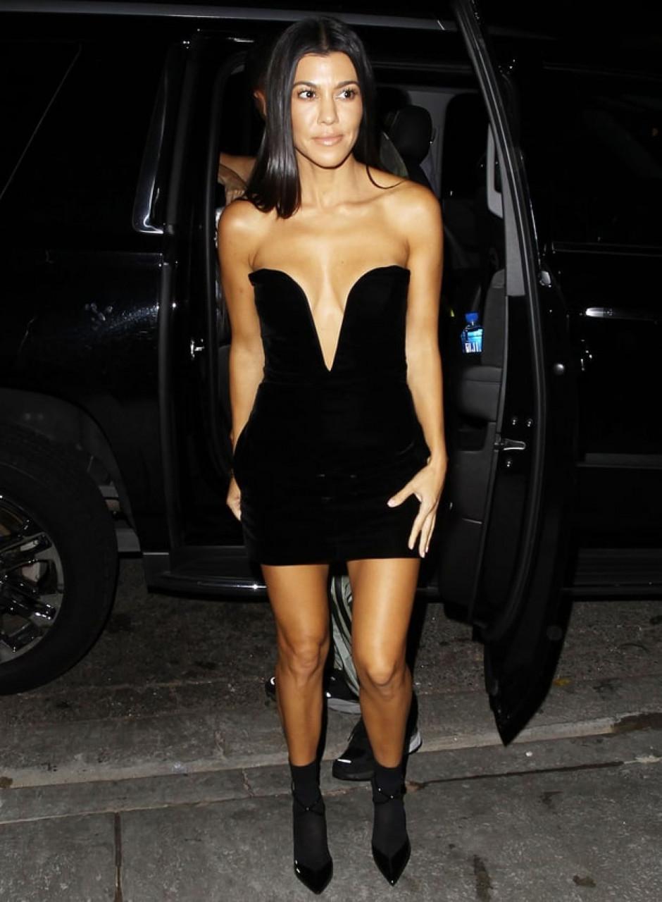 Look Hot Kourtney Kardashian notte con Younes Bendjima